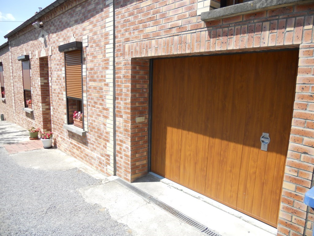 Portes de garage archives smf services - Motorisation porte garage coulissante laterale ...