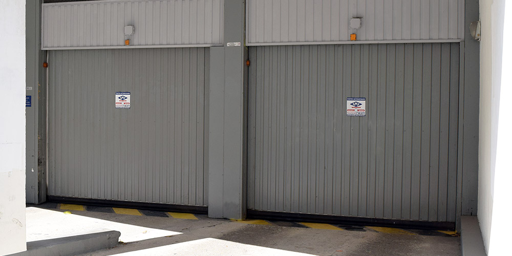 Portes de parking grises SMF Services